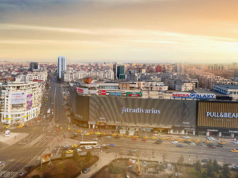 Unirii View, the tallest modern building in the centre of Bucharest, takes shape