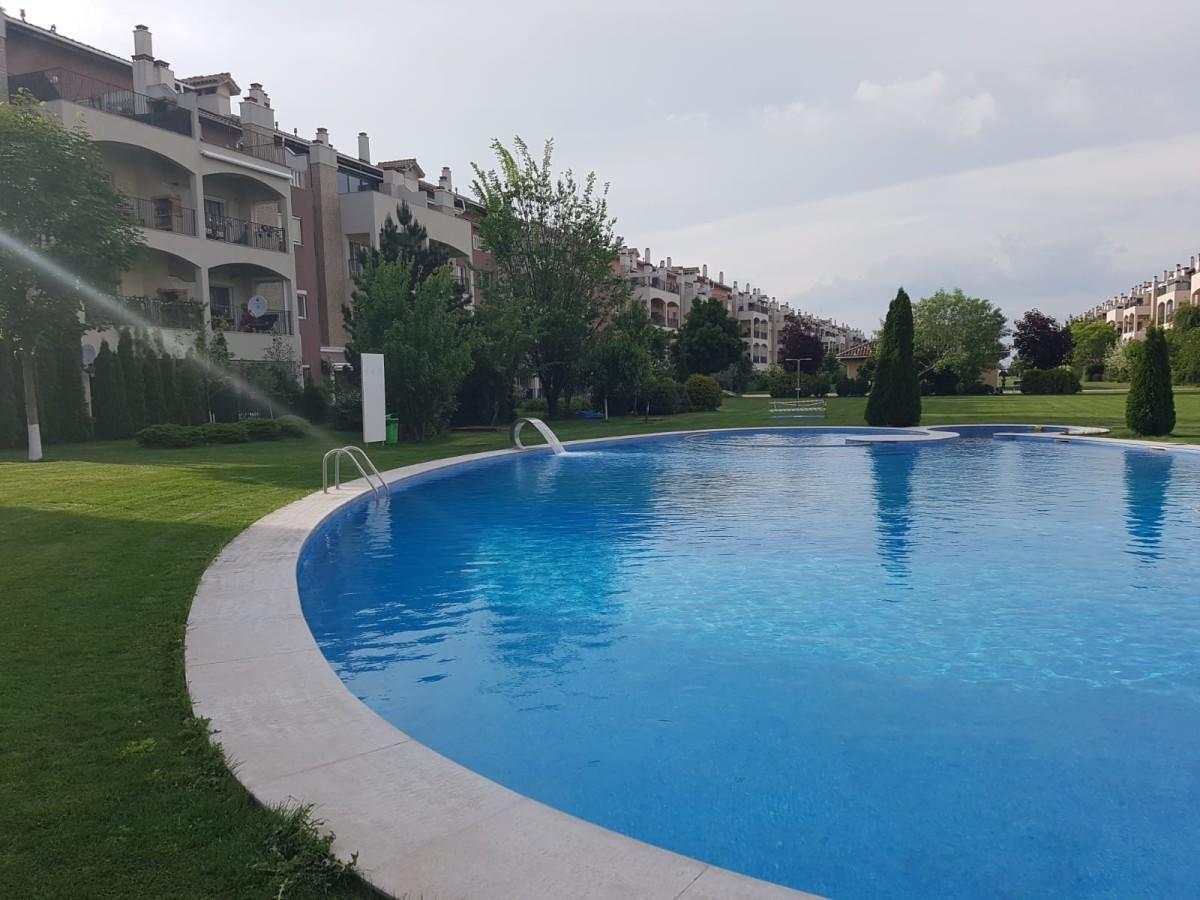 Unul dintre clientii Bliss Imobiliare cauta sa cumpere un apartament cu 4 camere in Ibiza Sol
