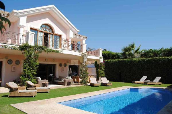 To rent House/villa with minimum 4 bedrooms