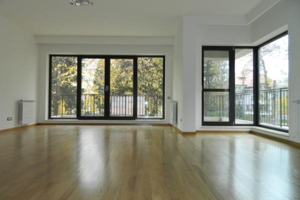 To rent Expat client from South America is  looking for an unfurnished 3 bedroom apartment, near Piata Romana - Victoriei Square