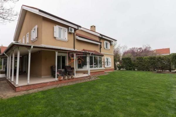 De cumpărat Familie din Romania interesata sa cumpere o vila in zona Iancu Nicolae, Pipera