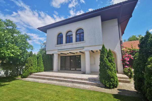 De închiriat Familie cauta pe termen lung o casă în zona Iancu Nicolae.