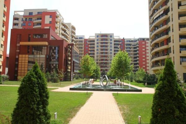 De închiriat Cuplu diplomat cauta un apartament cu 2 dormitoare Central Park