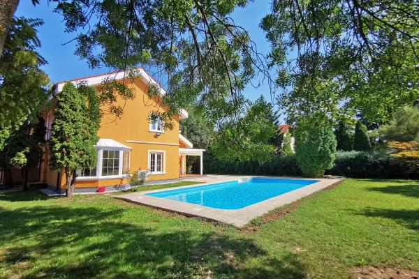 To rent Expat family is looking for a nice vila with swimming pool in Baneasa Pipera area.