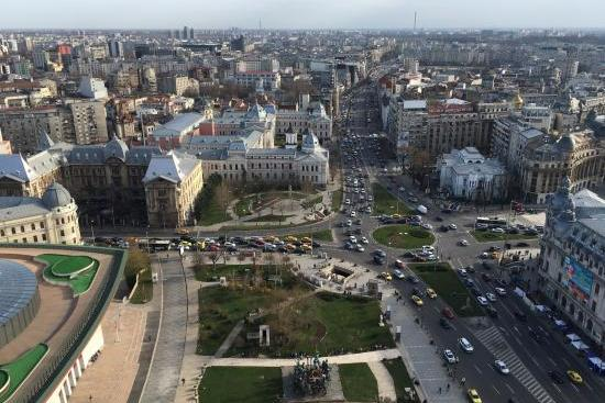 To buy Foreign investors looking for studio and 2 room apartments heart of Bucharest