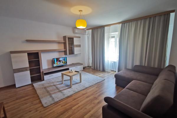 De închiriat Ambasadă din Europa de Vest caută un apartament mobilat cu 2 camere