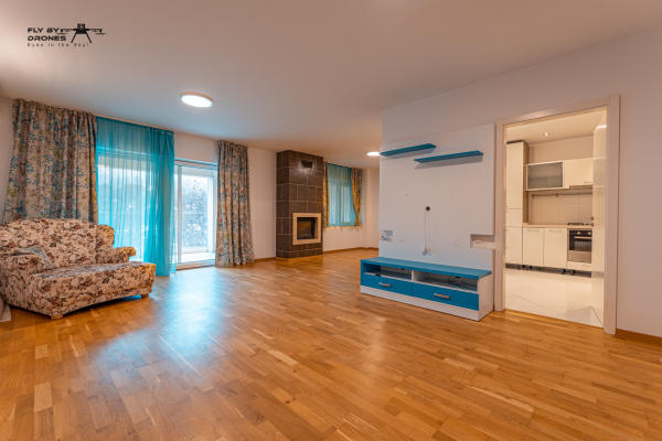 To rent Young american couple is looking for an apartment with minimum 2 bedrooms, in the central or northern part of Bucharest