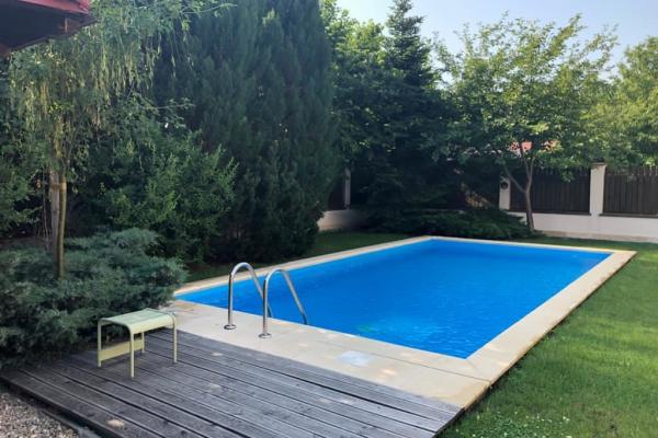 To rent French expat family looking for a minimum 4 bedroom villa Iancu Nicolae Pipera
